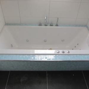 Adriaan van Erk en Rehorst Bouw BV  Ca 300 nieuwbouwwoningen  badkamers en toiletten